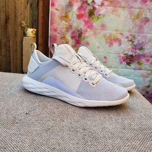 Shoes - NWT REEBOK WOMEN'S SNEAKERS SIZE 5